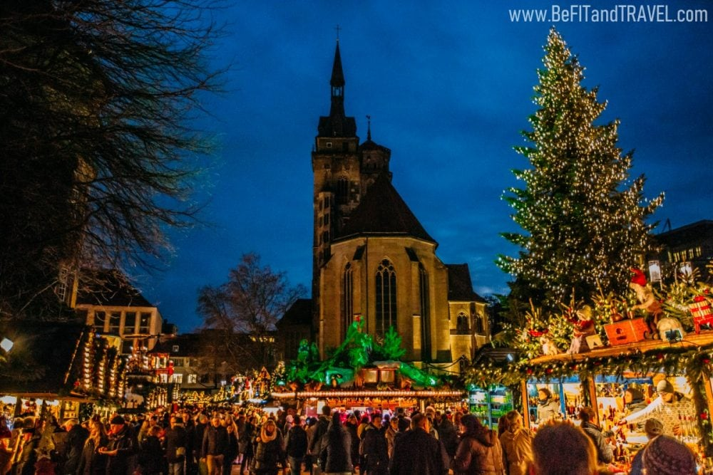 travel couple blog christmas market 3078
